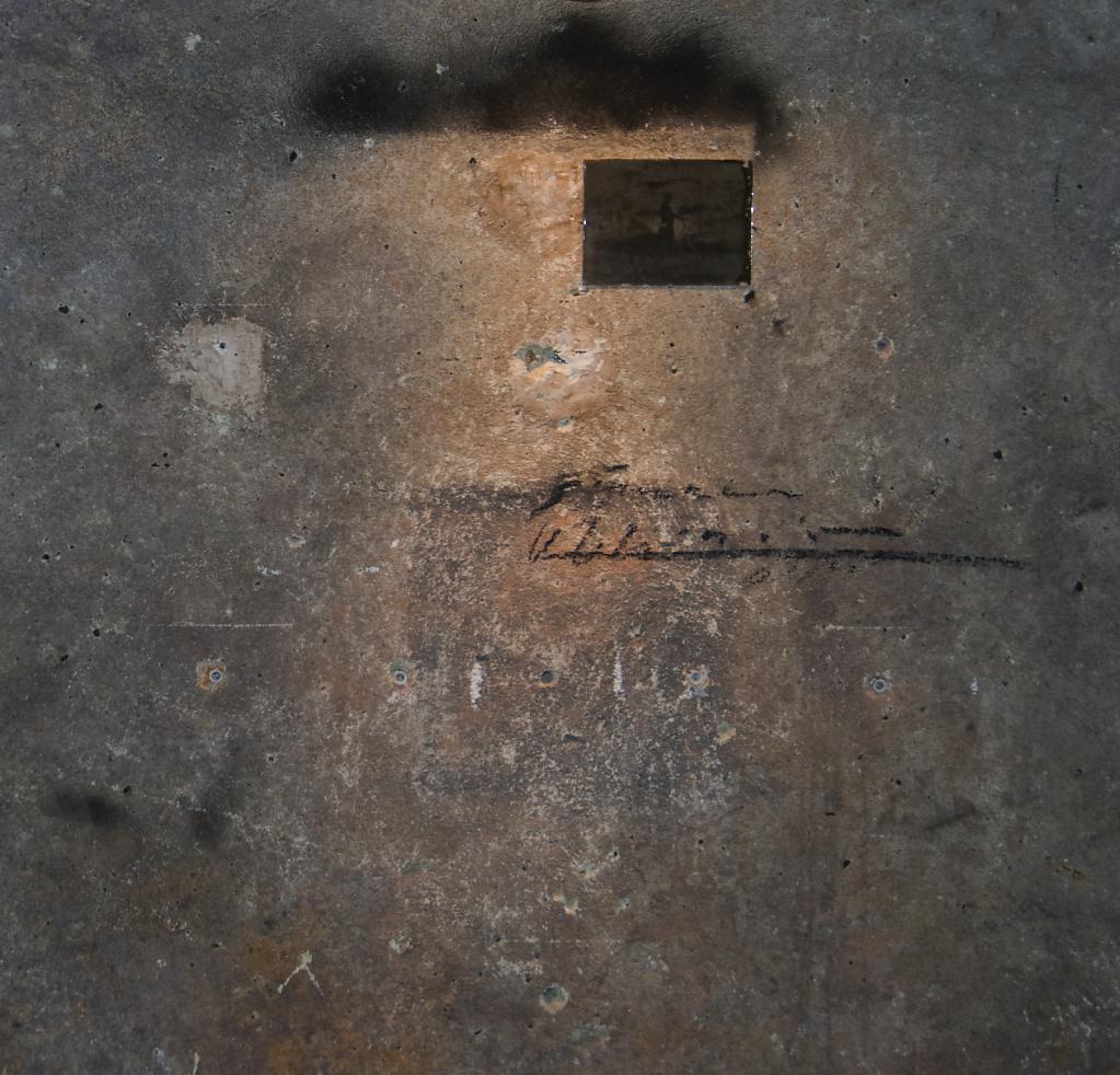 Niwelinskacom-installation-cellar-2013.png